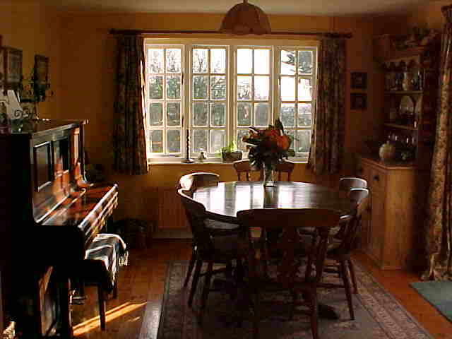 The Dining Room - Accommodation in Tiverton