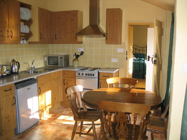 Holiday Cottage Tiverton - Kitchen and Dining Room